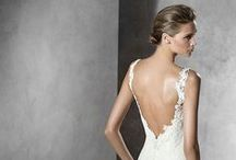 Wedding dresses / Every bride prefers a style, but all of us we want to be radiant in our big day. Discover our selection of the most spectacular wedding dresses, enjoy both as us with them! #weddingdress