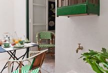 Belém - apartment 1A / A bright, beautiful two-bedroom apartment in Baixa House with a private terrace off the bedrooms, the perfect place to enjoy breakfast, lunch or an evening drink. Named after the beautiful gardens surrounding the Torre de Belém.
