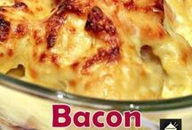 #BACON LOVE / Bacon rules the breakfast world...a breakfast without bacon is like a day without sunshine! / by Elisabeth | Food and Thrift