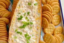 Food - Snacks and Appetizers / by Erma Rutter