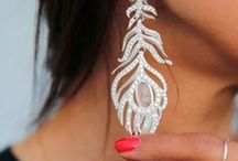 Jewelry & Accessories / What's an outfit without the right accessories? / by Alisa Kolenovic-Metahic