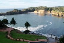 Oregon Coast Wedding / Wedding inspiration for the Oregon Coast. Locations, venues, and vistas.