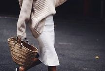 a d o r a b l e s k i r t s / Auf dieser Pinnwand finden sich atemberaubende, pompöse und weite Röcke aus Chiffon oder seidenem Material. Ebenso besondere Spitzenröcke, die mindestens Knielang sind. Sie bilden das Highlight des Looks.