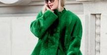 c o l o u r e d f u r / In diesem Herbst/Winter geht nichts über Kunstfell (!) in allen Farben und Nuancen. Ob ein Mantel aus pinkem Fake Fur oder ein Kunstfellbesatz an einem schlichten Mantel. Die Farben dürfen knallen und auffallen! Ich habe meinen pinken Fake Fur Mantel von H&M bereits im Schrank hängen und kann es gar nicht erwarten, ihn auszuführen.