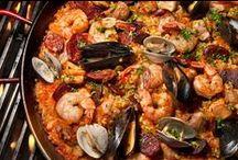 Food, glorious food! / Seafood, pasta, seafood, avocado, seafood, spinach, seafood, cheese, seafood, guacamole, seafood, artichokes, seafood, veggies, my favorites . . . . / by Lisa Penny