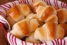 Breads & Spreads / by Karen Puchaicela