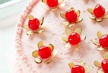 Cakes / by Perla Molina