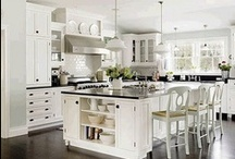 Kitchens / by Mindy (Rindy Mae)