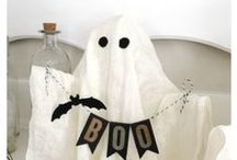 Halloween / My FAVORITE holiday! I love costumes, black and white décor, and yummy fall treats!