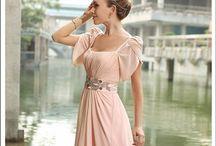 Modest dresses / by Ingrid Alvarado Moscoso