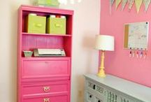 DIY Home Decorating Ideas / Stuff you can make to decorate / by Leslie Trotter