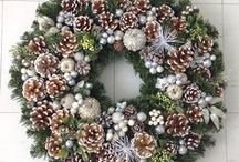 DRE DESIGNS Custom Hand Made Wreaths / These are all custom wreaths that I make completely made by hand beginning to end. Email andrea@dredesigns.ca to inquire about pricing and shipping charges for any items you are interested in! Pieces that are already SOLD will be noted as such in the COMMENT BELOW the photo