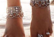 .  Jewels & Piercings . / . • Boucle d'oreille, collier, bague • .