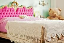 beds that inspire / by Caitlyn Albert