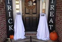 Halloween / Another fun holiday! Costume ideas, DIY treats, scary decor and more