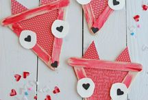 Valentine's Day / DIY Valentine's Day boxes and mailboxes, card ideas, sweet treats and everything else relating to Cupid himself.