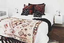 < bedroom >