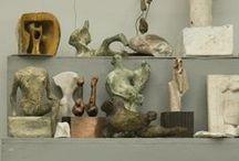 <sculpture >