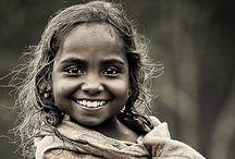 Smiles Around the World <3 / by Karolien Peeters