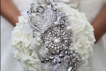 Things That Sparkle / Who doesn't like something that sparkles? Whether it's your wedding or engagement ring, wedding shoes or dress, or just some little details, something that sparkles makes life more fun.