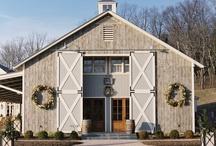 Barn Style & Barn Doors / by Rebecca Frost Rosenberg