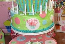 Designer Cakes / by Susan Hardy