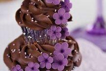 Cakes / by Amanda Adamic