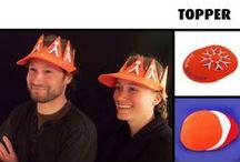 Koningsdag / Koningsdag is een nationale feestdag in het Koninkrijk der Nederlanden ter ere van ons staatshoofd. In alle delen van het Koninkrijk geldt dit voor de meeste werknemers als vrije dag en wordt het gevierd met verschillende festiviteiten, waaronder de vrijmarkten en het dragen van oranje kleding.