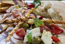 Wedding Food & Drink / Stylish eats and drinks for your wedding guests.