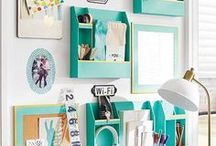 Organize with Command Centers / A collection of inspiring household command centers - find one that suits your family's organizing needs and duplicate it in your home to organize paper, calendars, schedules, coupons, and so much more!