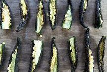 Drying & Dehydrating / Learn how to dry foods in a dehydrator or the oven.