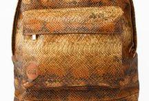 Bags bij Brothers Jeans / Voor school, onderweg, op reis of omdat ze gewoon heel gaaf zijn. De tassen/rugzakken bij Brothers Jeans.
