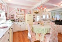 Design: Kirstie Alley's Maine Cottage / by Cynthia Secunda Daniel