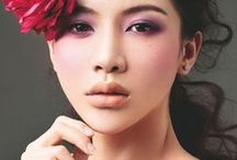 Purple Eye Makeup Inspiration for Brides / For those brides looking for purple makeup inspiration