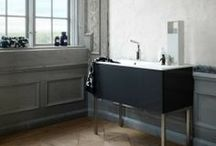 Bathrooms / by Jamie Sentz