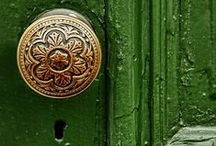 lead me in / dealyard.com specializes in cool doorknobs so we know them when we see them! first impressions are a must, and everyone sees the front door before the rest of the house :)