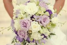 Wedding Flowers / Inspiration for wedding bouquets, centerpieces, boutonnieres, bridesmaid bouquets, decor, and everything floral!