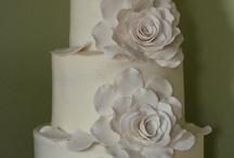 A Cake To Remember LLC / www.acaketoremember.com / by Richmond Bridal
