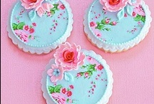 Pretty Sweets / Desserts and treats to make you swoon. Almost too pretty to eat!