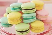 Macarons Galore / Macarons recipes and ideas for birthdays, baby showers, weddings and bridal showers, family or classroom events!