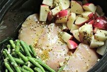 Crockpot Recipes / It's slow cooker season!