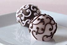 Cake Pops / by Tammi Cisler
