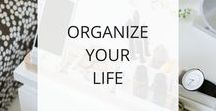 Organize Your Life / One of the keys to living and sustaining a healthy + well lifestyle is being organized. When you can organize your space, your activities, and your habits, it creates a sense of order and well-being. Plus it helps you stay on track with your healthy habits. Here I collect tips and tricks for organizing your space and your life.