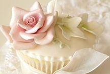 ❤ Cupcake Love ❤ / I am a lover of these sweet morsels. My fav thing to do it decorate. I hope you find this board inspiring !