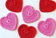 Crochet: Hearts, Stars and other shapes / crochet patterns for hearts, shapes, circles, stars and other shapes. No flowers, that's a different board.