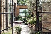How to create a beautiful OUTDOOR space / I love secret gardens.... cosy balconies.... veranda's with a view.... Beautifully styled outdoor spaces!