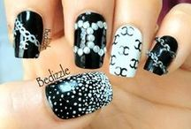 Nails (just black)