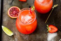 Drinks / by Kendra Valkema