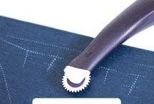 Nos astuces couture / Des tuto et conseils couture toujours bien utiles!  Comment faire un ourlet ? Comment choisir sa machine ? Comment s'équiper ? où aller ? ... le plein d'astuces pour devenir en un rien de temps une pro de la couture !