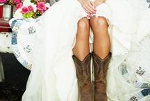Wedding Ideas / by Jennifer Tran